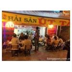 Sang gấp quán nhậu bờ kè Trường sa, quận Phú Nhuận.