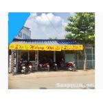 Sang tiệm cắt tóc Nam ở gần chợ đầu mối Bà Điểm