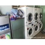 Sang tiệm giặt ủi mặt tiền số 108 Nguyễn Hữu Tiến, quận Tân phú.
