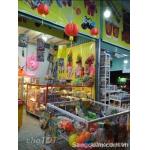Sang cửa hàng kinh doanh tại chợ đêm Hòa Lân